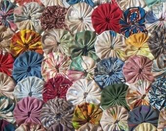 """Primitive Fabric Flowers 2"""" YoYo Quilt 50 Natural Rustic Grungy Farmhouse Antique Tea Dye Button Wedding Rosette Scrapbook Applique Trim"""