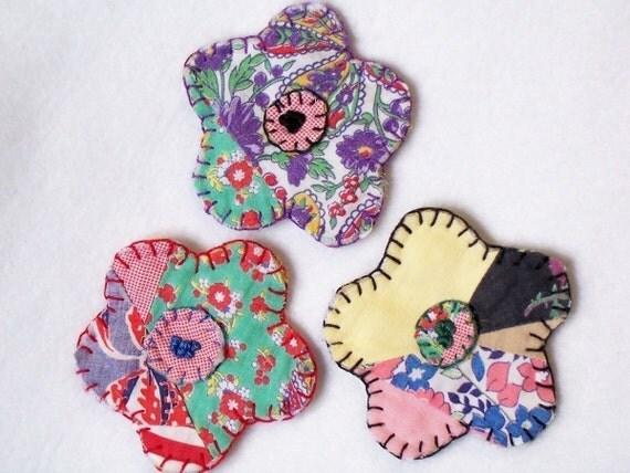 Vintage Feedsack Fabric Flowers Penny Rug Wedding Flower Quilt Applique Scrapbook Brooch Pin Hair Tree Ornament Hang Tag 3 Inch