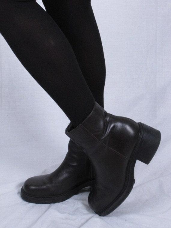 Vintage 90s NINE WEST CLOUDS ankle granny grunge heel brown leather zip up boots sz 8-8.5