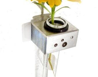 pair of magnetic vase