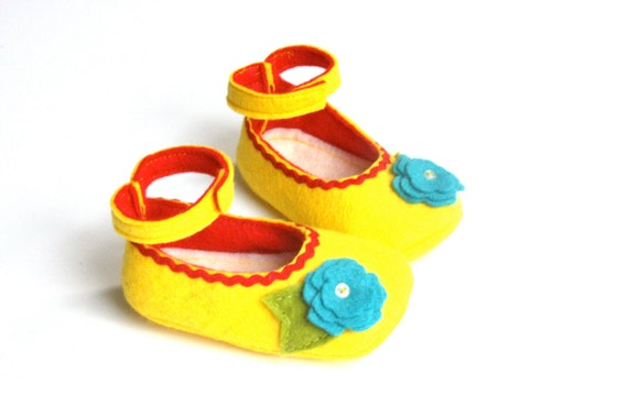 0-3 Month Size - Yellow Spring Baby Shoes - Baby Girls Soft Soled Shoes -  Baby Booties Felt - Wool Felt Baby Girls Booties - READY TO SHIP