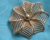 Vintage Modernist Mad Men Fashion  Gold Tone Metal Flower Swirl Brooch