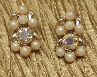 Vintage  Swarvoski Earrings/ 1950's Retro Style Pearl clip Back Earrings/ Bridal  Fashion