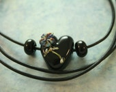 Artisan glass lampwork heart necklace ... Love posie ... black heart ... by simply cindy
