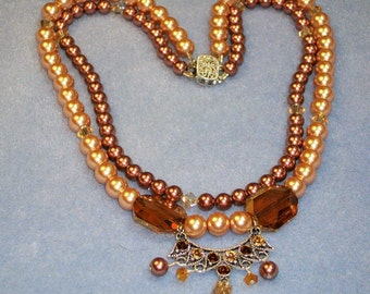 Glass Pearl and Crystal Necklace (613)