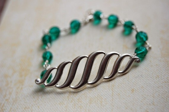 Emerald green bracelet. Angelina. Jewel Green Tone Holiday Bracelet
