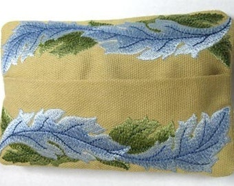 Graceful Leaves Embroidered Tissue Holder