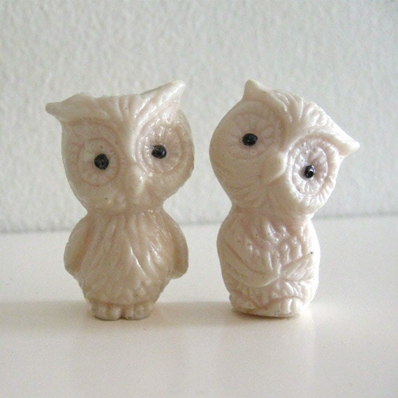 Retro Resin Owl Magnets Figurines Off White Handmade