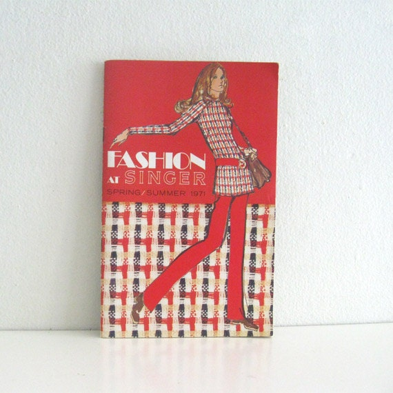 Vintage Fashion at Singer book 1970s