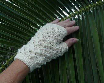 Fingerless mitten PATTERN Offered in 2 languages, both English AND Norwegian text