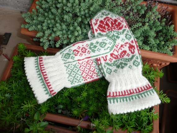 Spring/Vår mittens. Mitten PATTERN Offered in both English AND Norwegian text