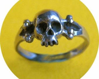 Skull Ring Sterling Silver Gold