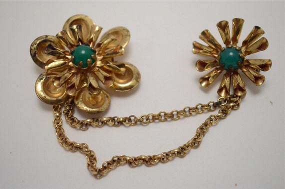 Sweet floral sweater guard 1950s scatter pins 50s rockabilly jade green gold tone