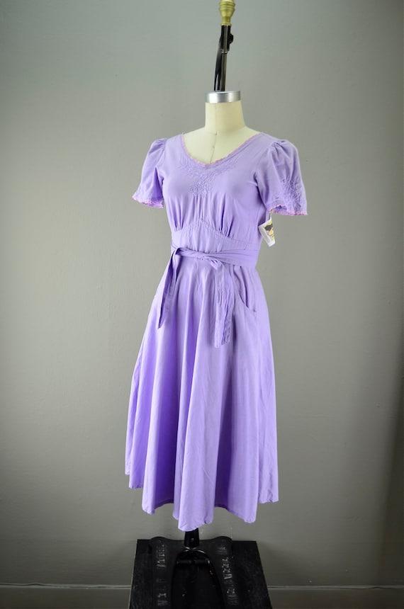 1970s wrap dress  Vintage cotton dress  Bohemian dress 70s lilac embroidered sundress size small