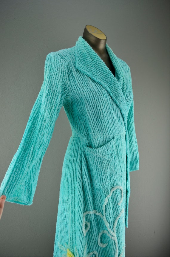 1940s chenille dressing gown size small Aqua bath robe floral house coat 40s lingerie vintage pin up