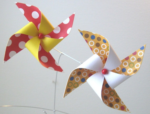 Pinwheel Mobile / Baby Mobile / Crib Mobile / Boy or Girl / Gender Neutral / Red, Yellow and White: Funhouse