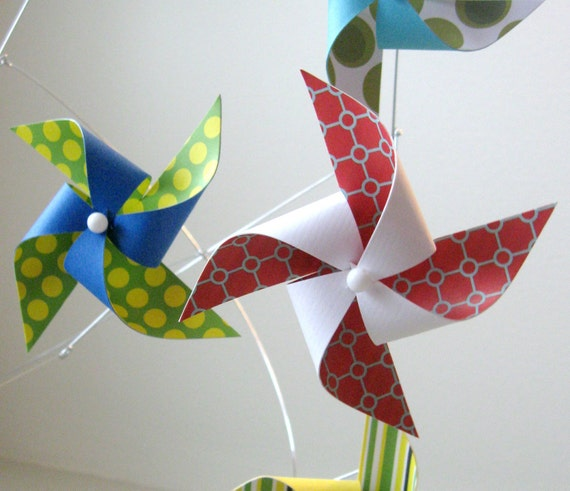 Pinwheel Mobile / Baby Mobile / Crib Mobile / Gender Neutral Boy or Girl / Red, Blue, Green, Yellow and White : Funtastic