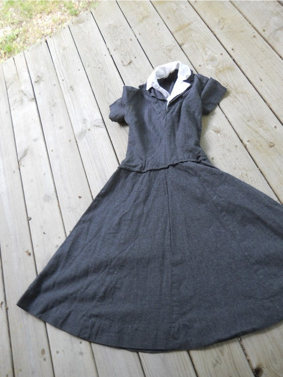 Reserved for olioliolio2000  Metal side zippered wool dress with white collar unusual for sure school play old