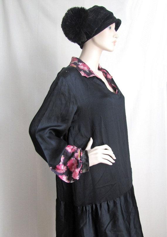 Gatsby Girl  - Lovely Vintage 1920s beaded Silk and Satin Dress XXL XL