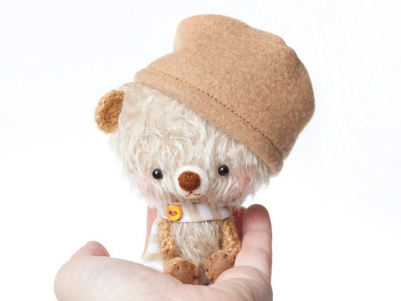 Teddy bear plushie - gilbert