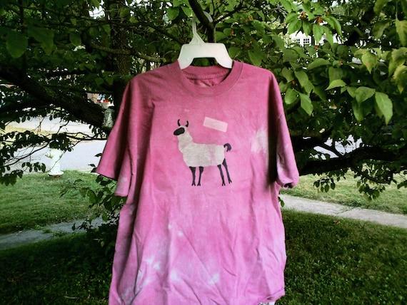 GOT FIBER unisex L magenta batik llama tshirt