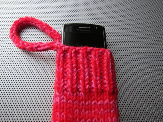 knit gadget cozy (hot pink & red)