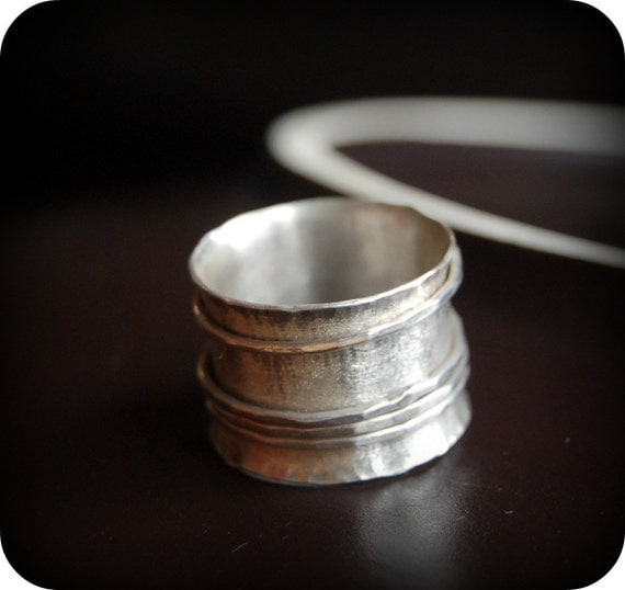 Merry go round spinner silver ring,