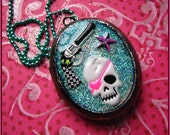 Bang Bang Skull - Resin Locket