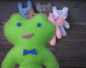 On Sale! Green Froggy Pal Felt Doll Kit