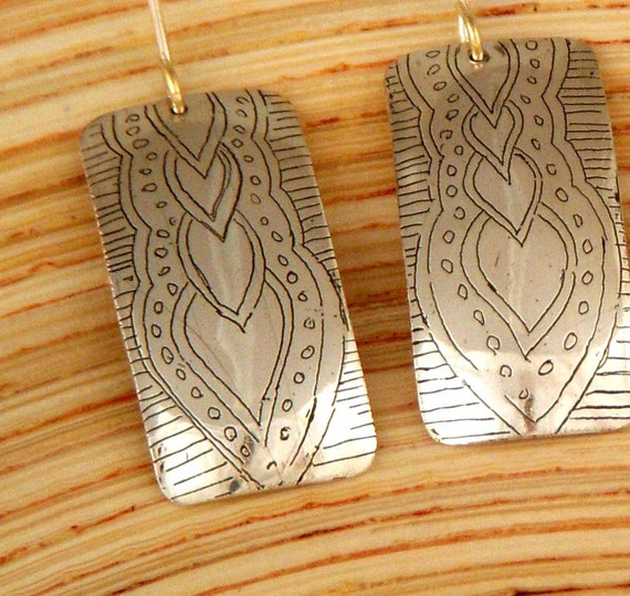 drops etched silver earrings