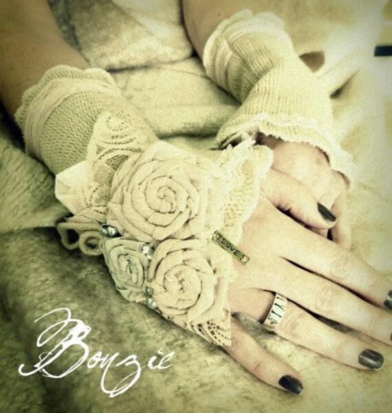 Bonzie Vintage Inspired Woolie Mittens