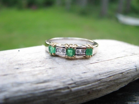 Striking Vintage 18K Gold Natural Emerald and Diamond Band Ring, 4.45 grams