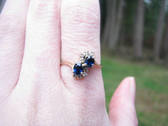 Pretty 14K Gold Vintage Blue Sapphire and Diamond Ring - Great Color Stones - FREE SHIPPING