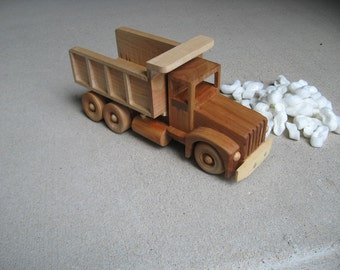 DJ's Toy Wood Dump Truck