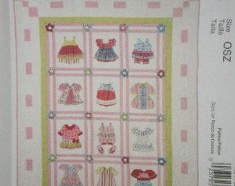 MCCALLS'  6412 pattern Pearl Louise DIMENSIONAL Baby Quilt Patchwork Applique Vintage Dresses