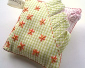 Grandmother's Sunday Best Pin Pillow (4)