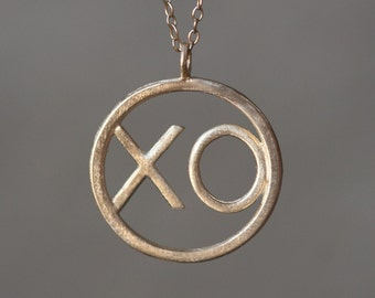 XO Pendant in 14K Gold