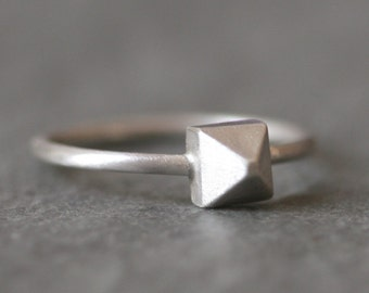 Pyramid Ring in Sterling Silver