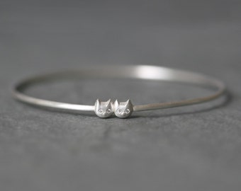 Kitty Bangle in Sterling Silver with Diamonds