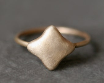 Quatrefoil Ring in 14k Gold