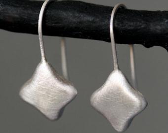 Quatrefoil Dangle Earrings in Sterling Silver