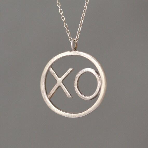 XO Pendant in Sterling Silver