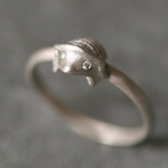 Hedgehog Ring in Sterling Silver with Diamonds
