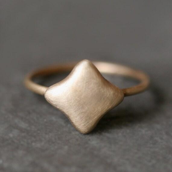 Quatrefoil Ring in 14k Gold