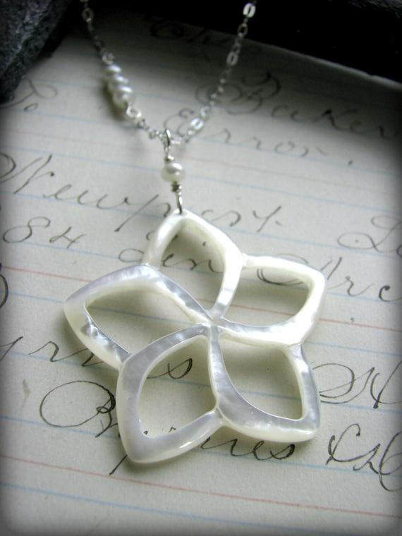 White Flower Plumeria Necklace Seashell Mother of Pearl Beach Wedding Hawaii Aloha Gift Bridesmaids Bride Daughter