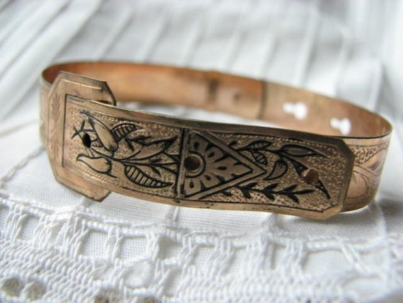 Buckle Bangle Victorian Style