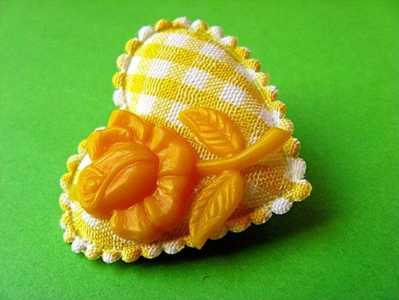 Heart and Flower Gingham Brooch - Yellow and White