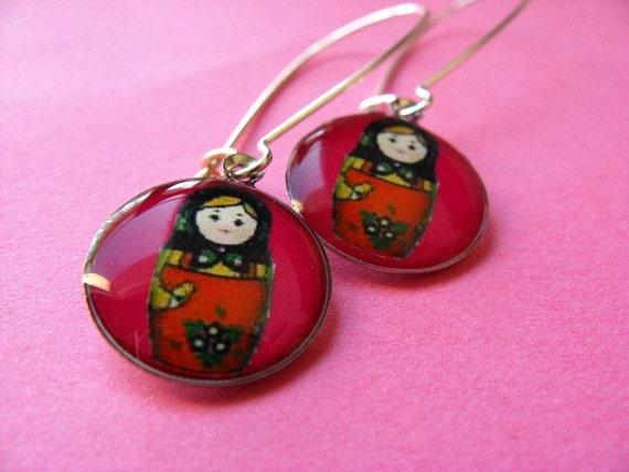 Matryoshka Kidney Wire Earrings - Russian Doll Dangles - Fuchsia Pink