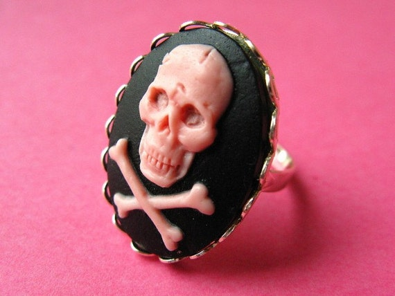Gothic Skull Cameo Ring - Light Pink and Black Vintage Style Adjustable Ring