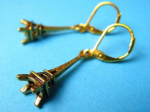 Parisian Chic Eiffel Tower Earrings - Gold Color
